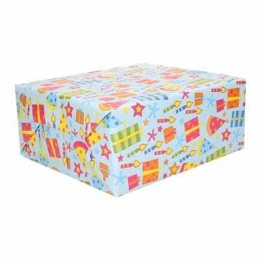 2x geschenkpapier gekleurd feesthoedjes 70 x 200 cm
