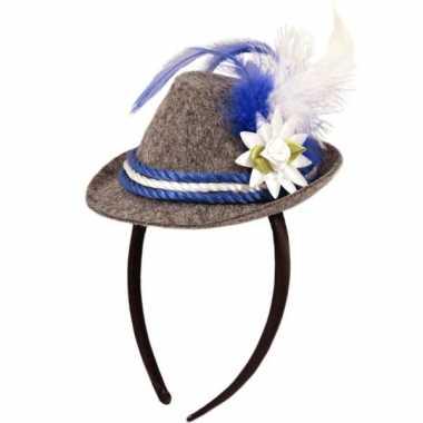 Beiers hoedje op haarband