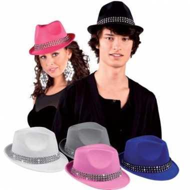 Blauwe hoedjes met diamantjes