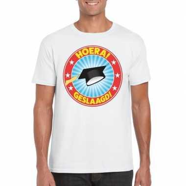 Geslaagd t-shirt met afstudeerhoedje wit heren