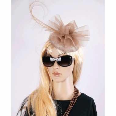 Koninginnen hoeden christina champagnekleur