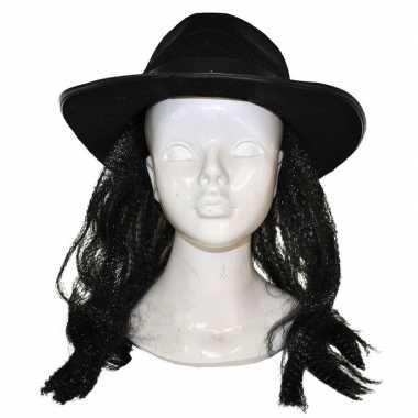 Zwarte hoed met haar