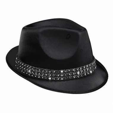 Zwarte hoedjes met diamantjes